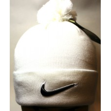 Шапка Nike с помпоном белая арт.1124